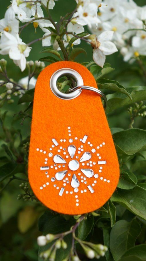 Schlüsselanhänger Filz in Orange mit Swarovski Kristallen