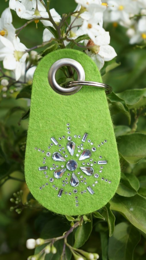 Schlüsselanhänger Filz in Lime mit Swarovski Kristallen