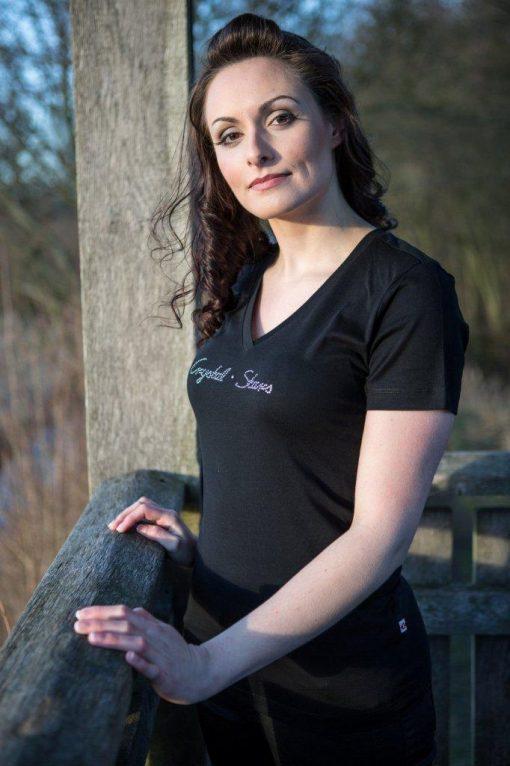 Schwarzes Damen V-Shirt mit dem Logo Crystal Stars in original Swarovski Kristallen