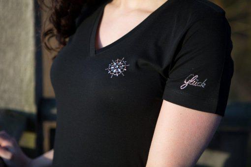 """T-Shirt mit kleinem """"Glück"""" mit Swarovski Elements"""